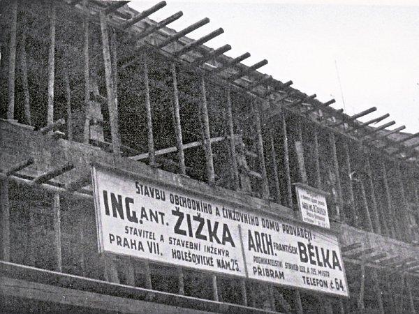Přestavba domu č. 147vPražské ulici mezi roky 1939a 1941architektem Bělkou.