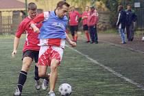 2. liga: ZZN (červení) - Viva kamenictví (3:1).