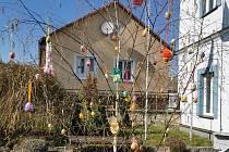 Velikonoční stromek v Kamýku nad Vltavou.