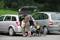 Auta na parkovištích lákají zloděje
