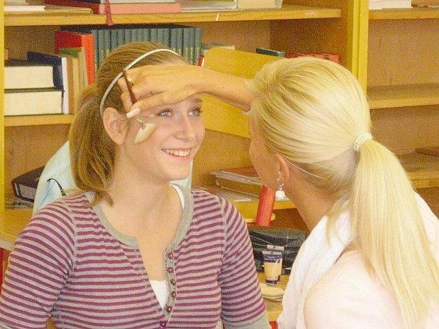 Základní školu Bratří Čapků v Příbrami navštívila modelka