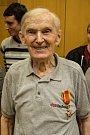 Za svou celoživotní práci pro skauting získal Merkur v roce 2003 skautské vyznamenání Řád stříbrného vlka a v letošním roce dokonce Řád sv. Řehoře Velikého, který mu udělil papež František.