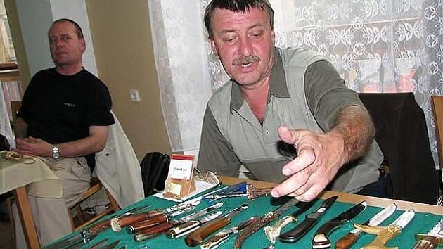 Mezinárodní výstava nožů v příbramském kulturáku.