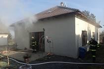 Požár rodinného domu na Příbramsku způsobil škodu za dva miliony.