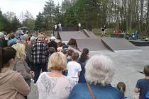 Ze slavnostního otevření nového skateparku ve Starém Rožmitále.