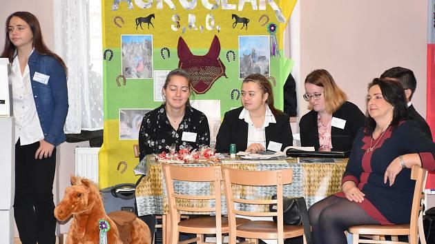V příbramské Sokolovně se konal Veletrh fiktivních firem studentů z Příbram, Písku, Sedlčan, Hořovic a Plzně.