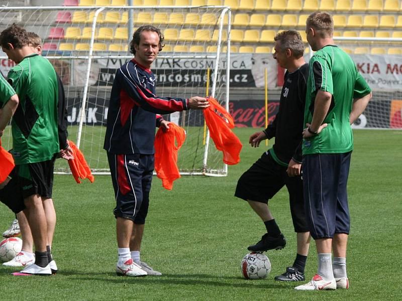 Jaroslav Kříž se v pátek 30. dubna stal na jeden den hráčem prvoligového týmu 1.FK Příbram.