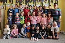 Prvňáčci ze Základní školy v Milíně ve školním roce 2019/2020.
