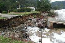 Solenice při ničivých povodních v roce 2002.