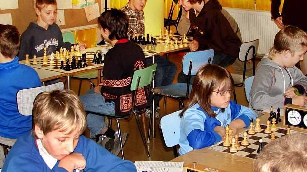 Další meziškolní soutěží byly tentokrát šachy.