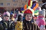 Návštěva bohutínských maškar na příbramské radnici je tradicí. Dětské masky byly k vidění na náměstí 17. listopadu.