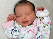 BEATRICE LOJÍNOVÁ se narodila v úterý 23. května, kdy vážila 3,10 kg. Rodičům Pavlíně a Jiřímu z Příbrami bude s péčí o miminko pomáhat Páťa.