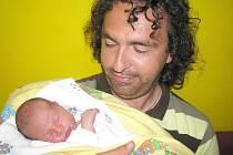 Radek Strejc si pro příchod na svět vybral úterý 30. srpna, vážil 3,11 kg a měřil 51 cm. Životem provázet svého prvorozeného syna budou maminka Kateřina a tatínek Josef z Příbrami.
