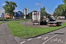 Zatím Na Flusárně parkují hlavně kamiony, to by se ale mohlo změnit.