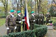 Pietním aktem si v pátek dopoledne připomněli oběti válečných konfliktů na celém světě.