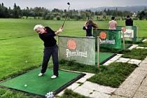 Studenti VOŠ příbramské průmyslovky si vyzkoušeli golf.
