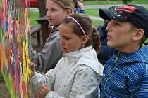 V Dobříši si děti užily tradiční oslavy Dne Země. Tématem letošní oslavy byl les.