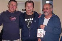 Trojice Čámský, Havlík, Eiman zvítězila v Mikulášském turnaji trojic.