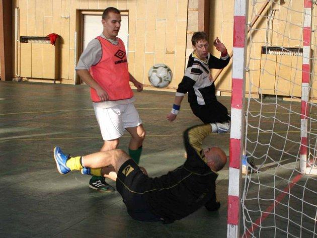 V dobříšské sportovní hale se hrál Sportissimo Cup.