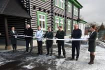 V pátek 18. ledna 2019 Vojenské lesy a statky (VLS) slavnostně předaly k užívání zrekonstruovaný objekt Lesní správy v Obecnici v Brdech.