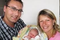Od středy 2. září má maminka Ivana spolu s tatínkem Přemkem z Višňové radost ze svého prvorozeného synka Tomáše Mlčocha, který po narození vážil 3,86 kg a měřil 52 cm.