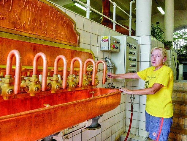PIVOVAR ve Vysokém Chlumci patří k těm nejstarším v Čechách. Pivo se zde vyrábí od roku 1466.