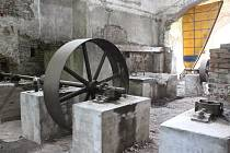Obec plánuje v jejích prostorách muzeum hutnictví.