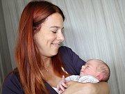 KAROLÍNKA TIKOVSKÁ se narodila ve středu 30. srpna o váze 3,32 kg a míře 50 cm rodičům Bronislavě a Jakubovi ze Svatého Pole. Pomáhat s miminkem jim bude Anežka.