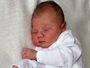 LINDA PUCHERNOVÁ se narodila ve středu 8. března, sestřičky jí v ten den navážily 3,36 kg. Z prvního potomka se radují rodiče Lenka a Martin z Příbrami.