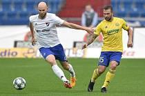 Utkání 12. kola první fotbalové ligy: Baník Ostrava - Fastav Zlín, 5. října 2019 v Ostravě. Na snímku (zleva) Tomáš Smola a Antonín Fantiš.