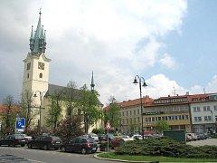Kostel sv. Jakuba na náměstí TGM v Příbrami.