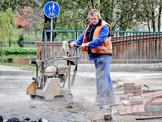 Oprava ulice Zdeňka Vojíře skončí v pátek.