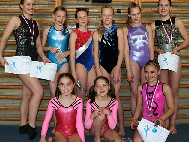 Družstvo gymnastek Sokola Příbram.