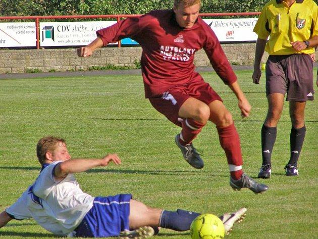 Fotbalisté Dobříše v premiéře v krajském přeboru podlehli Berounu 0:1.