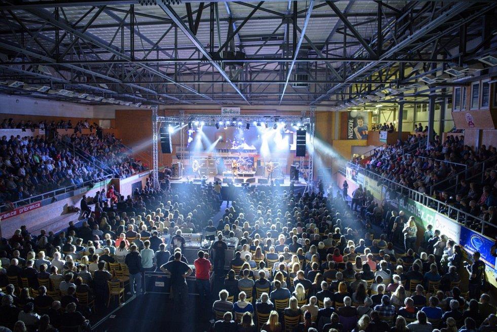 Legendární skupina Nazareth v příbramské sportovní hale.