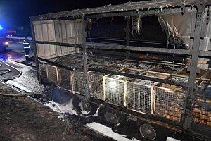 Při požáru kamionu na dálnici D4 vznikla škoda za 2,5 milionu