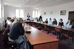 Hlavním bodem programu byla diskuze na téma rozvoj spolupráce regionu a věznice v oblasti zacházení s vězněnými pachateli a jejich přípravy na propuštění.