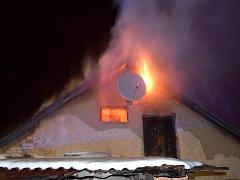 Požár střechy na Březových Horách.
