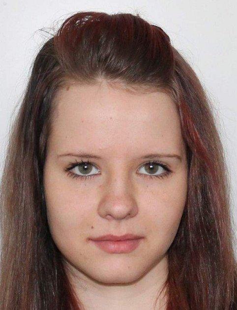 Sára Mikanová.