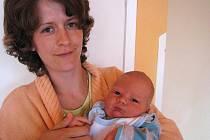 V pondělí 4. července si maminka Kateřina a tatínek Tomáš z Vranovic poprvé pochovali synka Jakuba Švece, který v ten den vážil 4,51 kg a měřil 54 cm. Hrát si s malým bráškou budou osmiletá Karolínka a pětiletý Tomík.