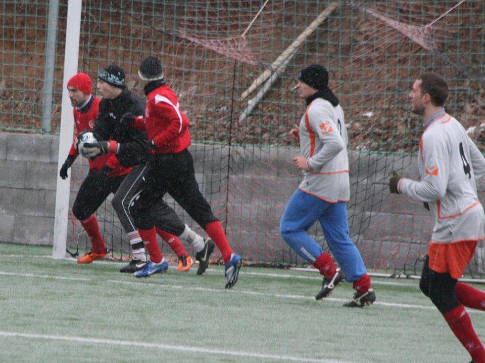 Úvodní utkání 4. ročníku turnaje O pohár starosty Příbrami: Sp. Příbram - Hořovicko (1:0).