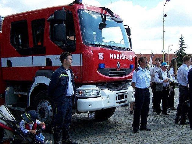 Dobříšští hasiči při letošních slavnostech.