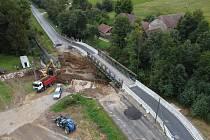 Stavba nového mostu u obce Obory.