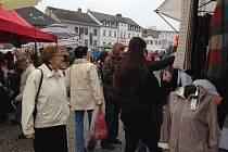 Tradiční trhy se vrátily na náměstí TGM.