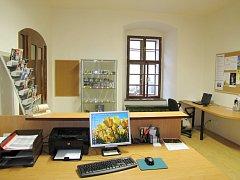 Od začátku dubna slouží obyvatelům a návštěvníkům Březnice nové infocentrum. Sídlí v budově bývalé jezuitské koleje v ulici V Koleji.