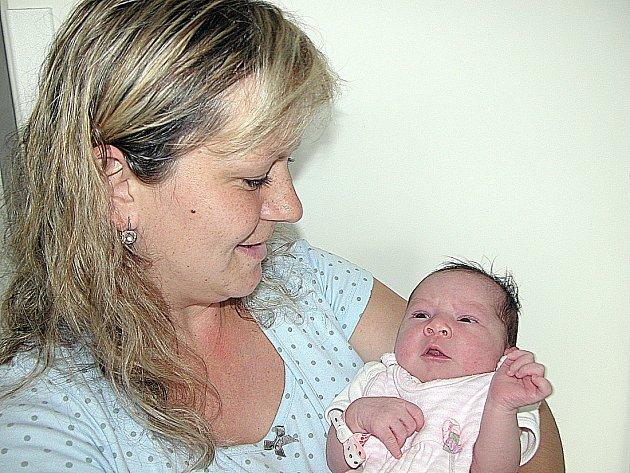 JANIČKA Švandelíková, první štěstíčko maminky Jany a tatínka Ondřeje z Příbrami, prvně otevřela očka v neděli 28. srpna a v ten den vážila 3,06 kg a měřila 48 cm.