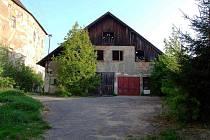 Tahle stodola u zámku už od neděle nestojí.