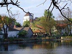 Rožmitálský zámek je dominantou města, bohužel chátrající.