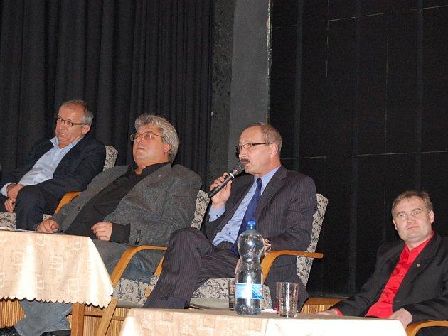 Debata podnikatelů s příbramským starostou Josefem Řihákem.