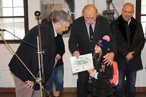 Letošním stotitisícím návštěvníkem muzea se stala Adélka Jandáčková ze ZŠ Ořech.